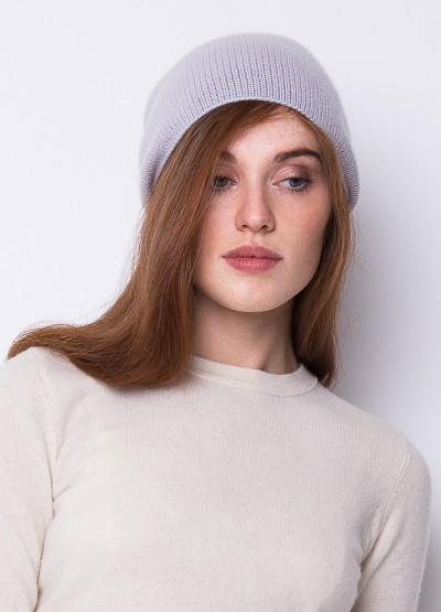 Cashmere slouchy beanie in pale blue smoke