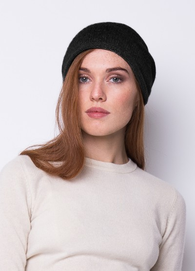 Cashmere slouchy beanie in black
