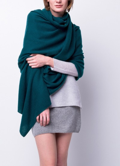 Pre-order The oversized cashmere travel wrap - dark teal
