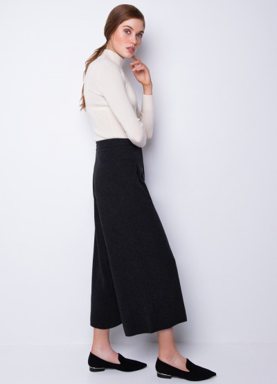 Draw string wide leg trousers in black