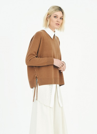 Lace side crew neck pullover - Nutmeg