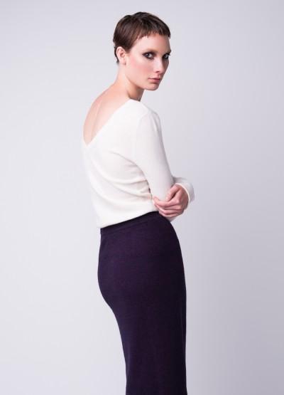 V-back white