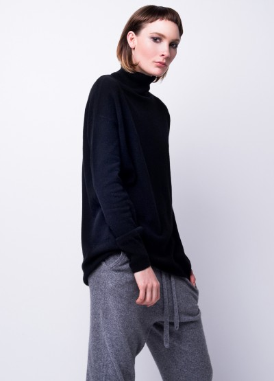 Cashmere silhouette turtleneck pullover