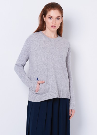 Contrasting pocketed pullover- grey