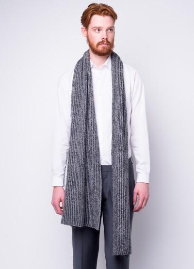 Long and chunky rib-knit scarf